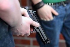 Salzburg - Lehen: Türke (53) nach Schießerei verhaftet - ein Verletzter (41) von Rettung versorgt