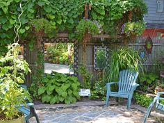 palissade de jardin et miroir extérieur
