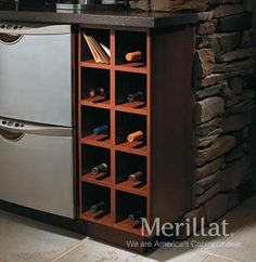 Easily organizes small items such as pens, post-its, towels or keys. Kitchen Refrigerator, Kitchen Cupboards, Kitchen Storage, Tall Cabinet Storage, Diy Kitchen Decor, Kitchen Ideas, Kitchen Pictures, Kitchen Pics, Quality Cabinets