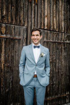 Wedding Groom, Wedding Men, Wedding Suits, Wedding Attire, Summer Wedding, Wedding Styles, Groomsmen Grey, Groom And Groomsmen Attire, Groom Outfit