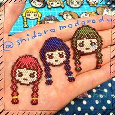 #ビーズ #ビーズステッチ #シェイプドステッチ #ブリックステッチ #デリカビーズ #三つ編み #おんなのこ #ブローチ #beads #beadsstitch #shapedstitch #bri - shidoromodorodo