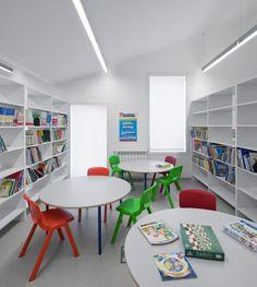 Classroom refurbishment at roe lee park primary school - Maison ribatejo y atelier nuno lacerda lopes ...