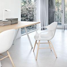 Kristalia - Elephant Stuhl, Holzuntergestell