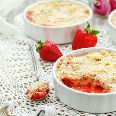 Strawberry and Rhubarb Purée – Jessica Snyder – Homemade baby foods Baby Puree Recipes, Pureed Food Recipes, Baby Food Recipes, Summer Desserts, Sweet Desserts, Desserts With Biscuits, Homemade Baby Foods, Sweet Tarts, Sweets