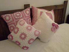 Almohadones tejidos en crochet. Diferentes tamaños