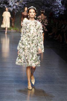 dolce and gabbana ss 2014 women fashion show runway