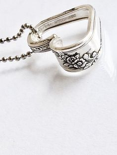Give a memorable gift to that someone special in your life. This captivating vintage silverware heart necklace is sure to please your Mom, girlfriend, wife, sister or even best friend. Upcycled from… Daha fazlası Silver Spoon Jewelry, Fork Jewelry, Silverware Jewelry, Silver Spoons, Crystal Jewelry, Antique Jewelry, Jewelry Box, Jewelery, Vintage Jewelry