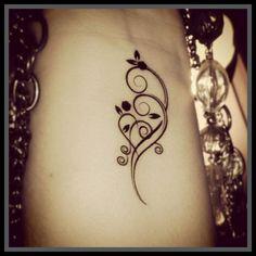 heart with swirly vines fake tattoo temporary tattoo swirls with a heart tattoo ideen hals cuore con viti vorticoso falso tatuaggio temporaneo tatuaggio turbina con un tatuaggio del cuore Vine Tattoos, Mom Tattoos, Wrist Tattoos, Trendy Tattoos, Flower Tattoos, Body Art Tattoos, Small Tattoos, Sleeve Tattoos, Tattoos For Women