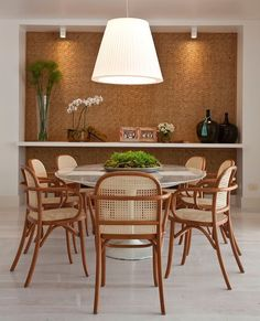 Home Decor – Decor Ideas – decor Dining Room Walls, Dining Room Design, Living Room Decor, Marble Top Dining Table, Dinner Room, Apartment Interior Design, Furniture Design, Sweet Home, Decoration