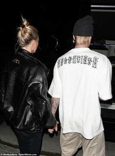 Married life: Eyebrows raised when the Biebers rekindled their on/off romance in June Hailey Baldwin Style, Justin Bieber Wallpaper, Justin Hailey, Justin Bieber Pictures, Bae Goals, Couple Pictures, Cute Couples, Romantic Couples, Couple Goals