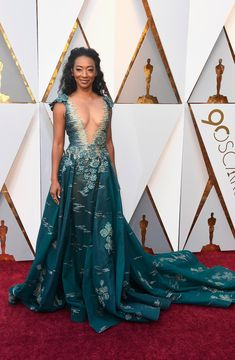 The 2018 Oscars kicked off with a dazzling red carpet. See all of the 2018 Oscars gowns the nominees, presenters, and more wore for this year's ceremony. Vestidos Oscar, Oscar Gowns, Oscar Dresses, Celebrity Red Carpet, Celebrity Style, Celebrity Outfits, Oscars, Robes D'oscar, Elsa Schiaparelli