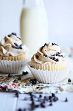 French Vanilla Cupcakes with Chocolate Chip Cookie Dough Frosting - dineanddish.net