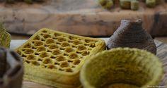 Elzelinde van Doleweerd uses food waste to create snacks New Recipes, Snack Recipes, Us Foods, Edible Food, Leftovers Recipes, Food Waste, Canapes, Food Design, Yummy Snacks