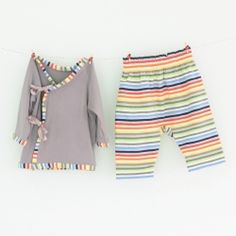 A cosy kimono top and baggy trouser set, perfect for baby shower gifts. FREE PDF pattern and tutorial in size 0-3 months.