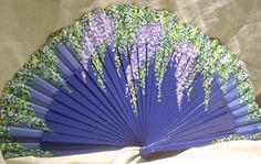 Abanicos pintados de glicinias               Abanico blanco con borde ondulado   pintado con ramas floridas                        ...