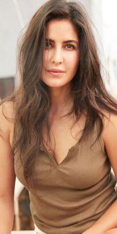 Bollywood Actress Hot Photos, Indian Bollywood Actress, Beautiful Bollywood Actress, Bollywood Celebrities, Beautiful Indian Actress, Beautiful Actresses, Bollywood Girls, Beautiful Celebrities, Katrina Kaif Wallpapers