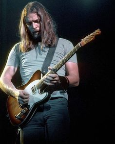 more-relics: David Gilmour, 1975 Los Angeles, California. by… – Pink Floyd Dave Gilmour, David Gilmour Guitar, David Gilmour Live, David Gilmour Pink Floyd, Fender Telecaster, Telecaster Custom, Fender Guitars, David Gilmour Children, Heavy Metal