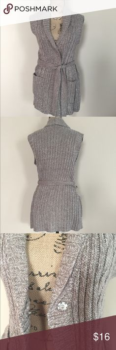 """Covington belted cardigan Marled gray and white belted sleeveless cardigan from Covington. Chunky cable and rib knit, two front pockets, single snap closure at chest. Size M. Excellent condition, no flaws. Acrylic/polyester blend. Machine wash. Bust measures 19"""", length 28"""". Covington Sweaters Cardigans"""