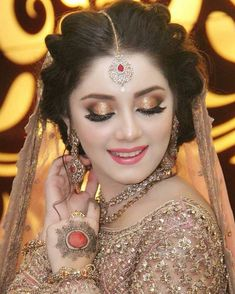 Pakistani Bridal Makeup Hairstyles, Pakistani Makeup, Pakistani Bridal Dresses, Wedding Hairstyles, Bridal Makeup Looks, Bridal Beauty, Bridal Looks, Wedding Makeup, Bridal Mehndi Dresses