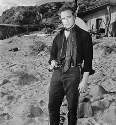 Marlon Brando One-Eyed Jacks Marlon Brando, Julius Caesar 1953, El Divo, Jean Simmons, Western Film, Western Movies, Hollywood Men, Guys And Dolls, Vogue