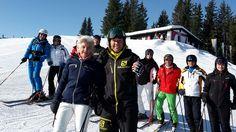 Skifahren mit Fritz Strobl bei den Mastercard Skitagen in #Kitzbühel  https://www.kitzbuehel.com/de/unterkuenfte/mastercard-skitage
