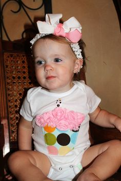 1st  birthday onesie cupcake.