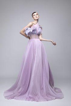 High Low Prom Dresses, High Fashion Dresses, Strapless Dress Formal, Fashion Outfits, Gala Dresses, Event Dresses, Runway Fashion, Fashion Show, Street Fashion