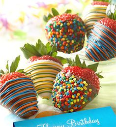 It's party time! Whether it's Welcome Home or Bon Voyage, this is one succulent strawberry treat that truly takes the cake.Our strawberries are dipped in delicious Real Dark Chocolate. Grown Up Parties, May Birthday, Birthday Parties, Birthday Chocolates, Strawberry Dip, Chocolate Covered Strawberries, Chocolate Dipped, Cupcake Cookies, Cupcakes