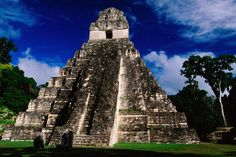 Mayan ruins, like the Jagua Grand Temple, weave seamlessly into the ancient guatemalan cultural fabric.