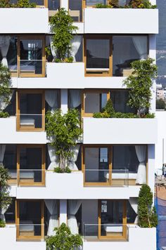 Hotel Golden Holiday in Nha Trang Balcony facade - Home Decorating Trends - Homedit Architecture Design, Hotel Architecture, Green Architecture, Sustainable Architecture, Building Architecture, Design Exterior, Facade Design, House Design, Stucco Exterior