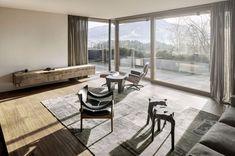 """""""Haus Wiesenhof"""", Tirol, Austria by Gogl Architekten. Rustic Home Design, Home Interior Design, Design Interiors, Living Area, Living Spaces, Living Room, Plan Chalet, Minimalist Home, Bay Window"""