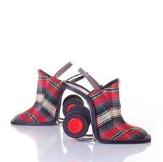 Fashionable Heelys...