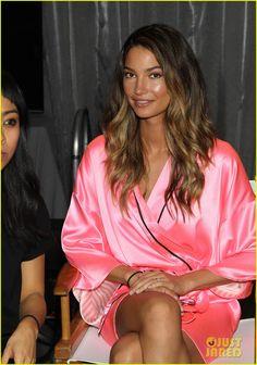Miranda Kerr & Erin Heatherton: Victoria's Secret Fashion Show Backstage Pics!