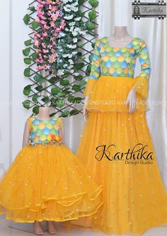 Mommy Daughter Dresses, Mom And Baby Dresses, Mother Daughter Dresses Matching, Mother Daughter Fashion, Mom Daughter, Girls Dresses, Churidhar Designs, Mehndi Designs, Blouse Designs