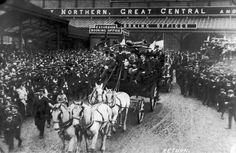 The 1909 FA, Cup Final, Crystal Palace, London, Manchester. Manchester United Fa Cup, Oxford United, London Manchester, Munich Air Disaster, Liverpool Images, Bobby Charlton, Victory Parade, Goodison Park, Bristol City