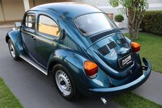 Volvo 240, Vw Group, Beetle, Volkswagen, Antique Cars, Classic Cars, Simile, Vehicles, Vw Bugs
