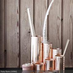 """Der Stifthalter """"Copper"""" von ferm Living verleiht jedem Schreibtisch einen edlen Look. Er eignet sich nicht nur für Stifte, sondern für alle Kleinigkeite, die untergebracht werden müssen."""