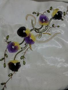 El Nakışları ve Kurdele Nakışı: Kurdele Nakisi Havlu Ornegi #silk #ipek #kurdelenakışı #handcraft #handmade #hobby #art #ribbon #embroidery#handmade #leather #flowers #DIY