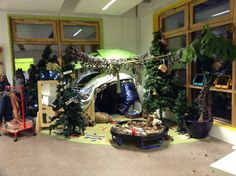 Gruffalo role play/reading / small world play area. Gruffalo Eyfs, Gruffalo Activities, The Gruffalo, Play Corner, Corner House, Classroom Organisation, Classroom Displays, Home Corner Ideas Early Years, Camping Dramatic Play