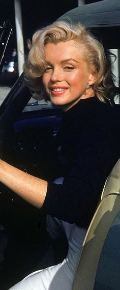 Marilyn Monroe – Norma Jeane …. #marilynmonroe #pinup #monroe #marilyn #normajeane #iconic #sexsymbol #hollywoodlegend #hollywoodactress