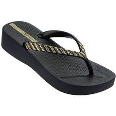 Ipanema Mesh Platform Flip Flops ($32) ❤ liked on Polyvore featuring shoes, sandals, flip flops, black, slip on sandals, black slip-on shoes, platform sandals, black platform flip flops and black sandals