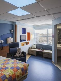 The medical/surgical unit features 25 private rooms designed to provide a family-centric healing space. Each room includes a family zone with sleeping space for parents, a private bath and shower, and wireless internet access. Photo: Nikolas Koenig