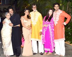 Shah Rukh and Gauri Khan with Amitabh Bachchan, Jaya Bachchan, Aishwarya Rai and Abhishek Bachchan : Bachchans host a grand Diwali bash