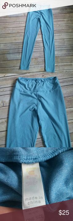 Lularoe OS leggings pants in soft blue In very good condition. Very soft and in very pretty sky blue color perfect with some toms flats and a baggy grey or white tee. LuLaRoe Pants Leggings