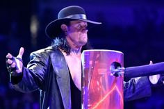 Undertaker Ends Iconic Career with Bittersweet WWE WrestleMania 33 Sendoff | Bleacher Report