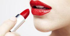ELLE verrät: Willst du wissen, wie du noch schönere Lippen bekommst? Dann zeigen wir dir jetzt den beliebtesten Lippenstift-Hack bei Pinterest!