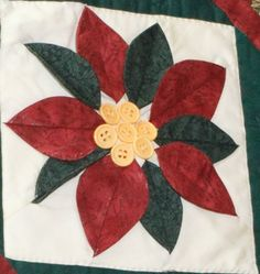 Poinsettia Christmas Quilt Patterns, Christmas Fabric, Sunflower Quilts, Quilting Classes, Christmas Projects, Christmas Ideas, Yellow Fabric, Sewing Techniques, Poinsettia