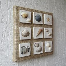 Wall hanging decoration Coastal decor Beach style decoration Shells art Seashells collage Clay sculpture Sea stars decor is part of Shell art - This wall decoration is made on canvas using sackcloth, clay and seashells The size is 20 x 20 cm Seashell Art, Seashell Crafts, Beach Crafts, Diy And Crafts, Arts And Crafts, Crafts With Seashells, Simple Crafts, Beach Style Wall Decor, Deco Marine