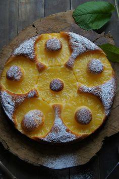 Esta receta, lo tiene todo... Fácil, rápida, con pocos ingredientes y que da como resultado este increíble pastel... Tierno, jugoso y no... Cuban Recipes, Desert Recipes, Sweet Recipes, Cake Recipes, Tea Cakes, Cupcake Cakes, My Favorite Food, Favorite Recipes, Pineapple Desserts