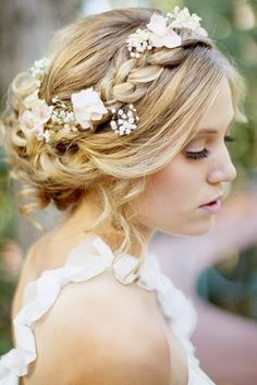 Coiffure mariage : {Bridal Hair} 25 Wedding Upstyles and Updos Romantic Wedding Hair, Wedding Hair And Makeup, Hair Makeup, Hair Wedding, Wedding Braids, Wedding Flowers, Wedding Colors, Trendy Wedding, Perfect Wedding